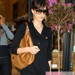 Jessica Alba totes the Jimmy Choo 'Mandah' Hobo