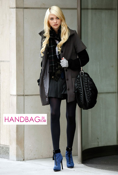 Spotted: Jenny Humphrey Taylor Momsen and her YSL Roady Handbag in Black Leather on the set of Gossip Girl