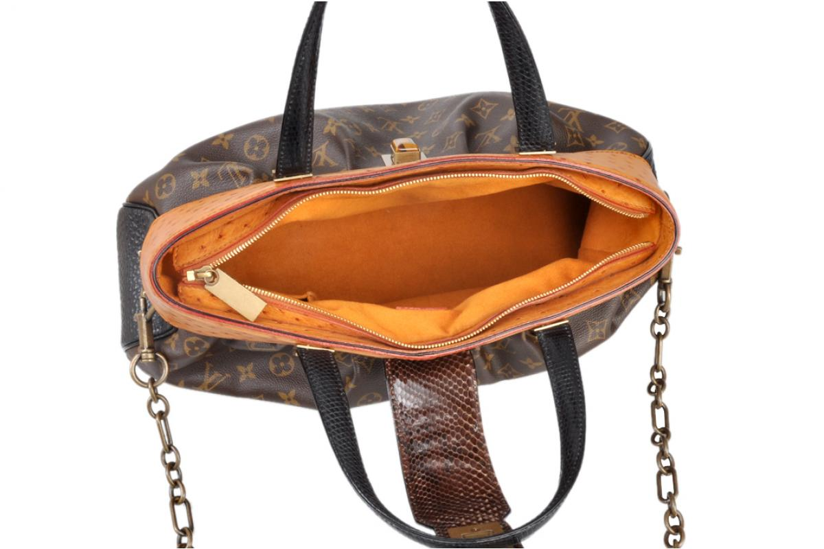 d05fb5a2c6ff ... Limited Edition Louis Vuitton Oskar Waltz Ostrich Lizard   Snake Runway  Bag