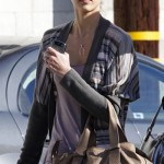Guess her brown buckle tote bag Jessica Alba