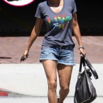 Celebrity handbag spotting  Halle Berry totes the Gustto  Falcha  Shoulder  Bag 9891533cd7314