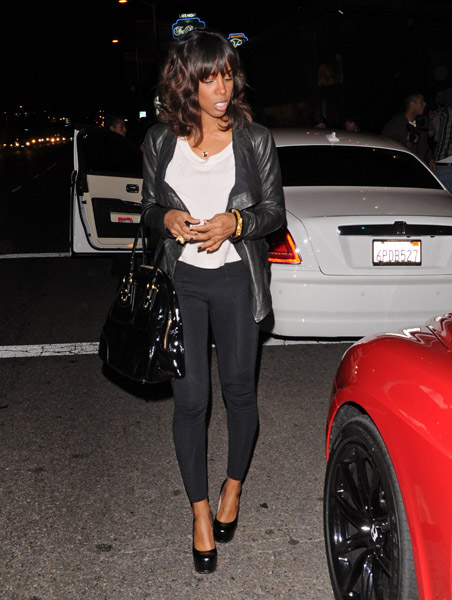 Kelly Rowland is seen leaving STK restaurant on March 15, 2011 in Los Angeles, California.