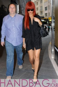 Rihanna-shopping-in-Sydney-Australia-with-Dior-Delices-Gaufre-Medium-Flap-Shoulder-Bag-1