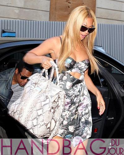 Beyonce-Jay-Z-in-Paris-car