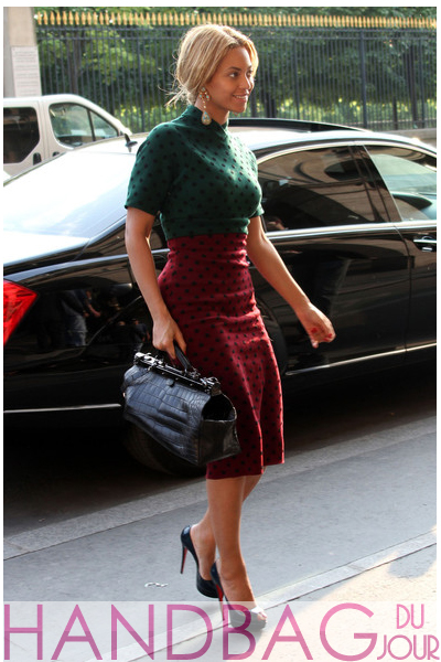 beyonce-in-paris-marc-jacobs-black crocodile balmain-bag