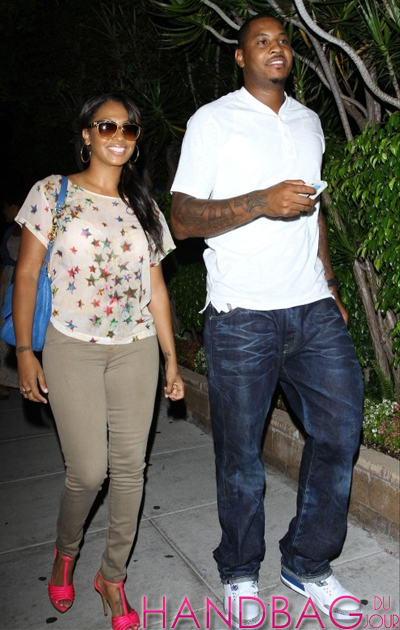 New-York-Knicks-Camelo-Anthony-and-wife-Lala-spotted-leaving-Matsuhisa-restaurant-in-Beverly-Hills,-California blue shoulder bag hot pink shoes