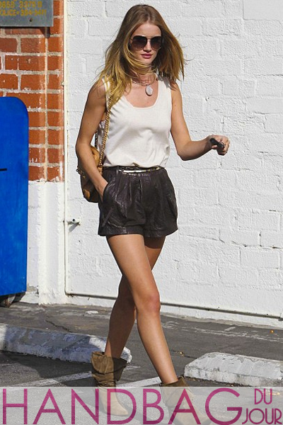 Rosie-Huntington-Whiteley-spotted-grocery-shopping-in-Brentwood-California-with-the-Mulberry-Carter-bag-in-brown-ostrich