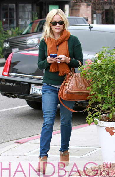 Reese-Witherspoon-is-seen-shopping-in-Brentwood-on-October-24,-2011-in-Los-Angeles,-California-python-Chloe-Paraty