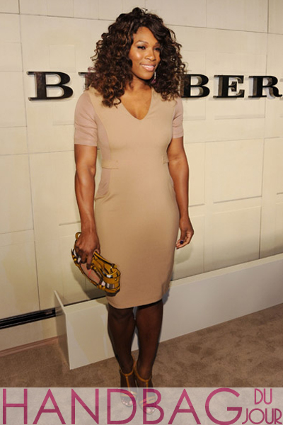 Serena-Williams-at-the-Burberry-Body-Event-hosted-by-Christopher-Bailey-and-Rosie-Huntington-Whiteley-at-Burberry-Beverly-Hills-in-Los-Angeles,-check-clutch-warrior-bag