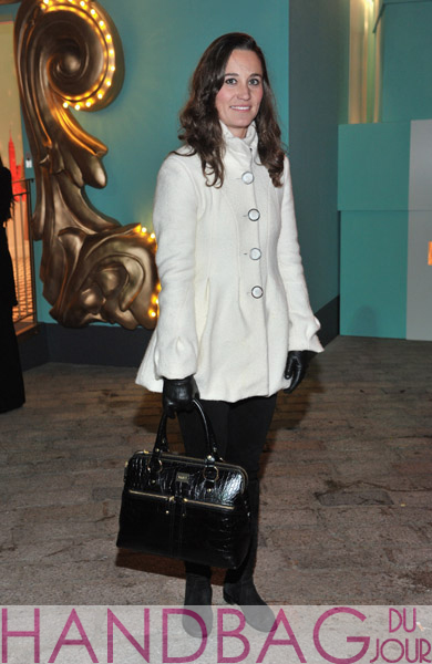 Pippa-Middleton-attends-Tiffany-&-Co.-Presents-Skate-at-Somerset-House-on-November-21,-2011-in-London,-England-with-her-Modalu-London-Pippa-Medium-Grab-bag-in-Black-Croc