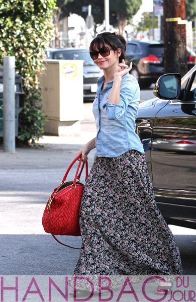 Jenna-Dewan-is-seen-in-Beverly-Hills-on-November-30,-2011-in-Los-Angeles,-California.-red-Coach-Madison-quilted-chevron-nylon-large-Lindsey