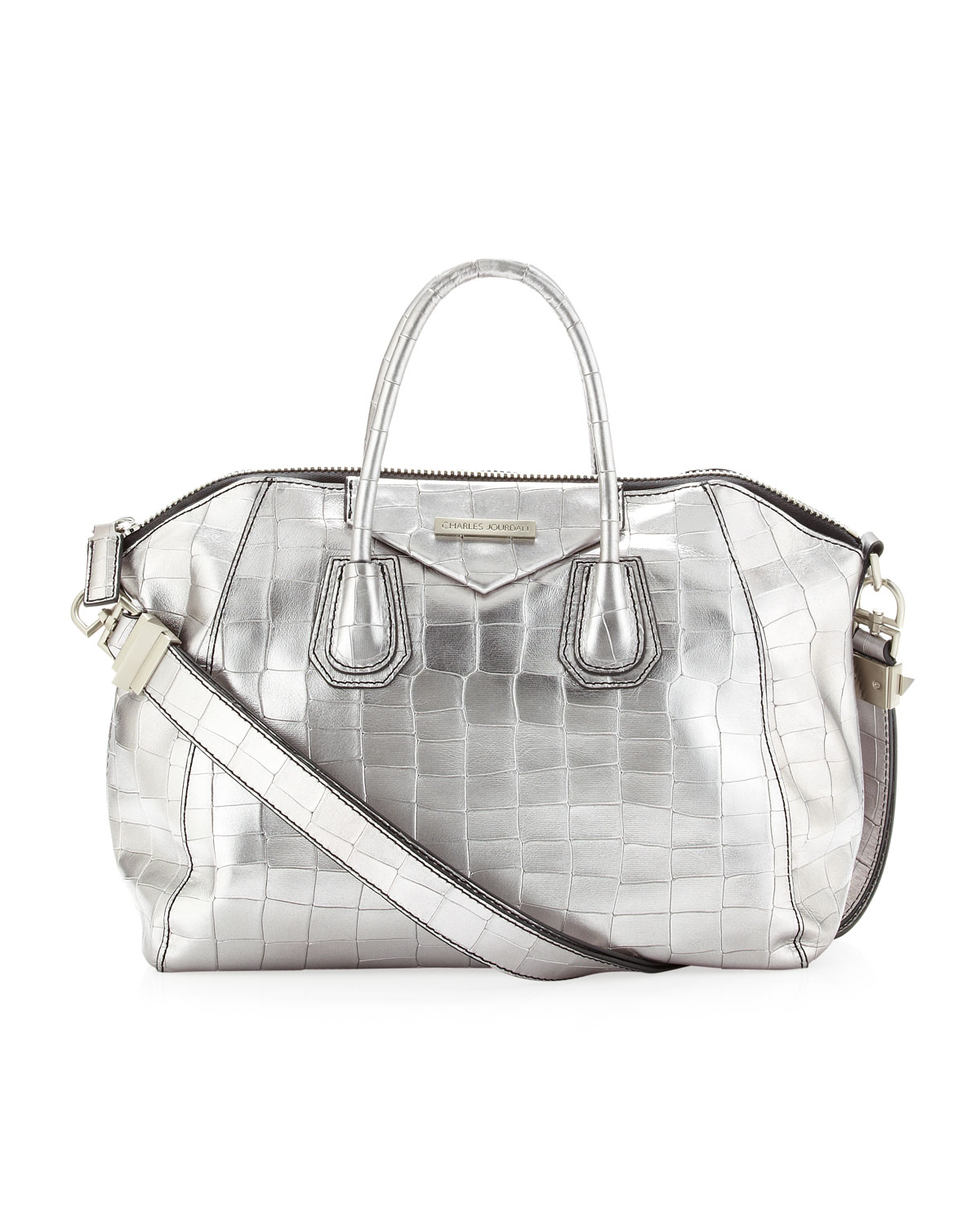 ARGENTO VIVO (bright silver): this is the typical bright silver color, brilliant and scintillating, which is mostly in demand for special occasion handbags