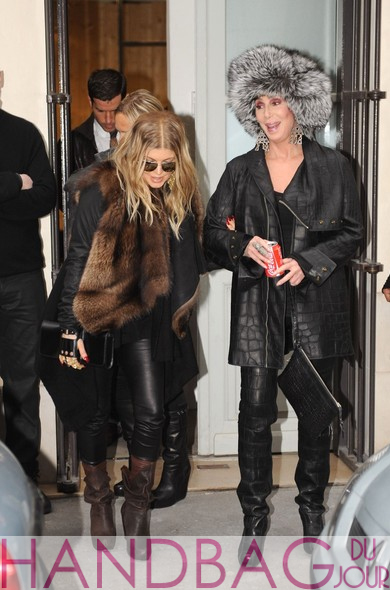 Cher-and-pregnant-Fergie-with-'Cabriolet'-glove-clutch-by-Perrin-Paris-shopping-together-2