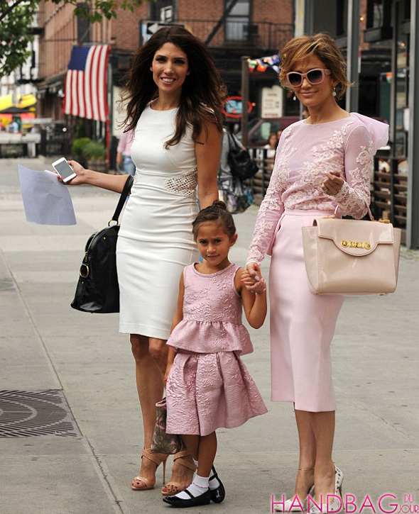 Lynda Lopez, Jennifer Lopez and Emme look pretty in pink with YSL Muse, Versace padlock fastening tote and Gucci Zoo tote bags