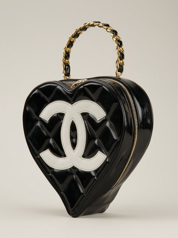 CHANEL VINTAGE Heart Shaped Tote side view