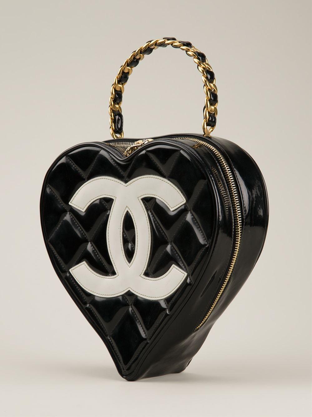 cb23eba142d3 Splurge du Jour  Chanel Vintage Heart Shaped Tote - Handbag du Jour ...